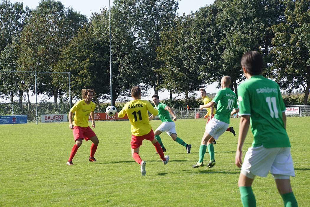 Matig Zevenhoven ontsnapt in openingswedstrijd